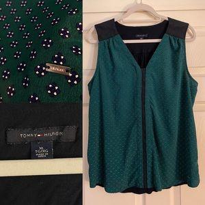 Tommy Hilfiger V neck sleeveless blouse size XL